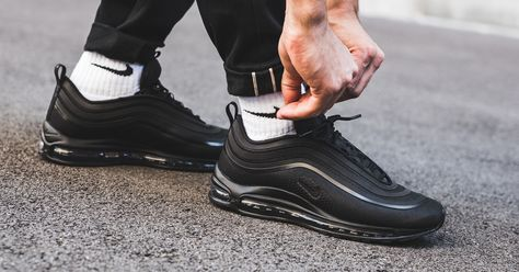 Nike Air Max 97 in schwarz BQ4567 001 | Nike air, Nike air