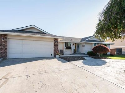 For Sale 340 000 Beautifully Updated 1 Story Home With Fully