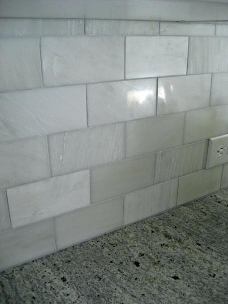 Floor Style Honed Carrara Marble Backsplash Tile Whisper Grey Grout How To Install Marble Tiles Home Desi Marble Tile Backsplash Backsplash Marble Backsplash
