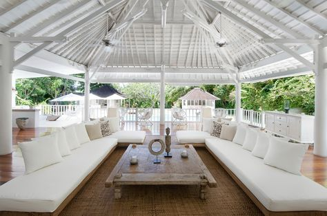 Villa Hermosa is a stylish modern villa, all dressed in white interiors and furnishings with a cool kids bunk bedroom. #Seminyak #Bali