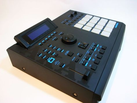 Roland TR8S Lux Desk Stand by mixingtable