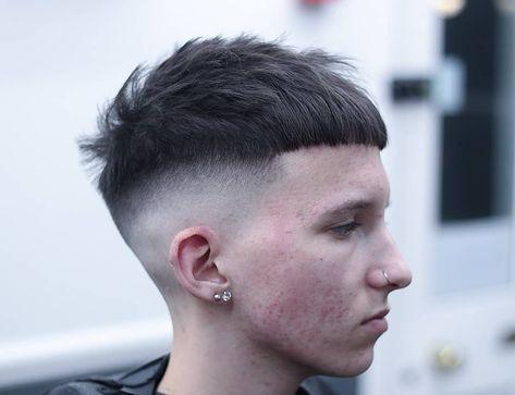 Textured crop haircut over a skin fade #fade #fadehaircuts #newfadehaircuts #menshair #menshair2018 #menshairstyles #menshairtrends #crophaircut #skinfade #baldfade