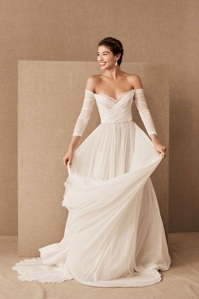 Wtoo By Watters Miles Gown In 2020 Wedding Dress Flowy New Wedding Dresses Dresses