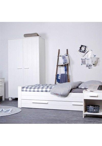 CODEINEDECO a sélectionné pour vous cette armoire pin massif 60 x 120 Aaron blanche, de la marque Alfred et Compagnie. #armoire #déco #codeinedeco