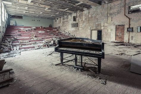 15 Haunting Photos From Inside The Chernobyl Exclusion Zone