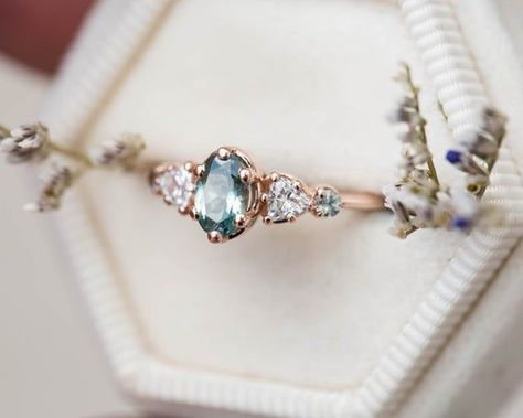 Oval Montana sapphire engagement ring, cluster ring, five stone ring, teal sapphire ring, oval sapphire ring, blue green sapphire ring - Oval engagement ring - #Blue #cluster #engagement #Green #Montana #Oval #Ovalengagementring #ring #Sapphire #Stone #teal