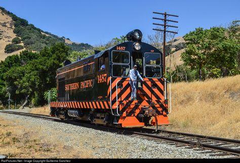 Sp 1487 Southern Pacific Railroad Fm H12 44 At Sunol California By Guillermo Sanchez Railroad Photography Railroad Photos Railroad History