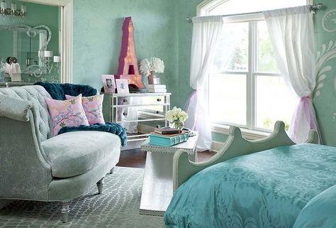 Paris room...