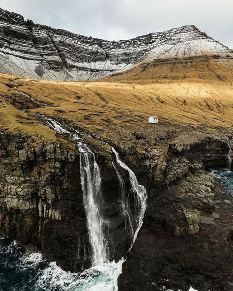 algonquinartcentre: upknorth: Cabin up north. #getoutdoors #upknorth Endless Nordic air. A home in the Faroe Islands via @visitfaroeislands (at Faroe Islands) heck of a spot…