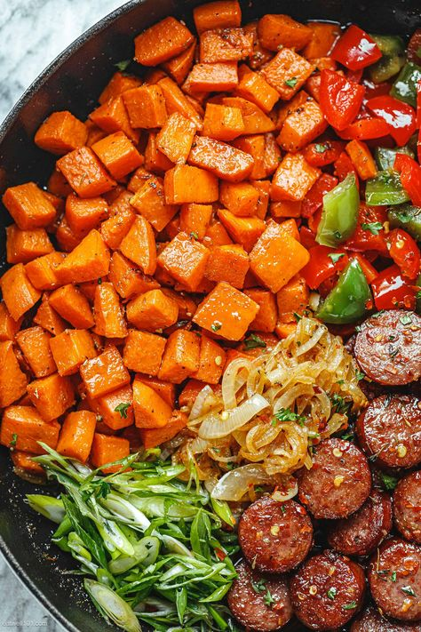 Smoked Sausage and Sweet Potato Recipe - #sausage #sweet-potato #recipe #eatwell101 - This smoked sausage and sweet potato stir-fry is a perfect weeknight dinner idea! - #recipe by #eatwell101