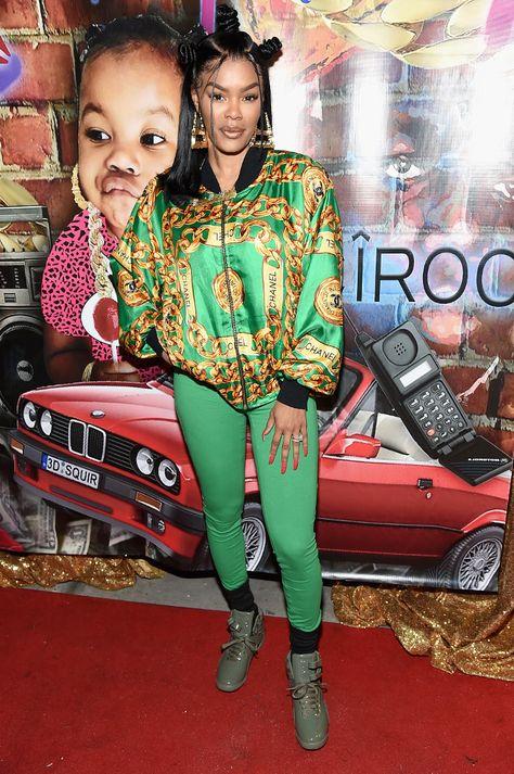 #teyanataylor #nailsalon #nails #bantyknots #90sfashion #90strends #chaneljacket #chanel #leggings #greenleggings #celebrity #nailsalon