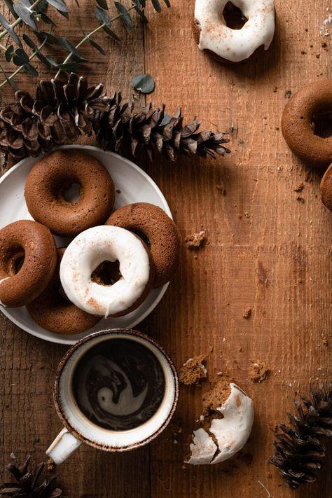 Baked Gingerbread Doughnuts | #gingerbread #doughnuts #bakeddoughnuts #donuts #gingerbreaddoughnuts #holidaybaking #doughnutrecipe #christmasbaking #christmasdoughnuts | twocupsflour.com