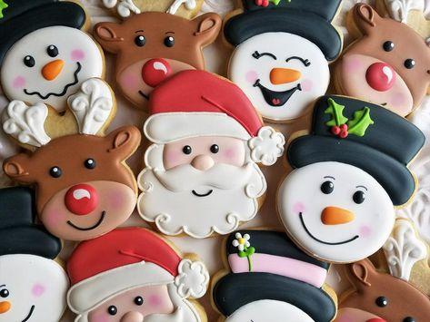 Pink Cookies, Iced Cookies, Royal Icing Cookies, Cookies Et Biscuits, Christmas Sugar Cookies, Christmas Sweets, Holiday Cookies, Christmas Baking, Snowman Cookies