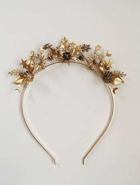 Easy to Adjust Metal Headband Adorable Wonder Woman Golden Tiara w// Red Gem Star