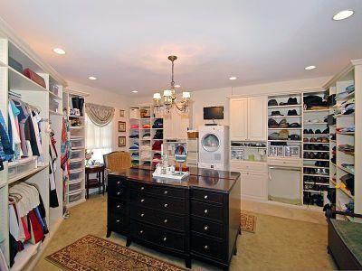 My Dream Master Bedroom Walk In Closet!!  Http://photos2.zillow.com/p_d/IS 1i8tqk8idxen1 | For The Home |  Pinterest | Dream Master Bedroom, Master ... Pictures Gallery