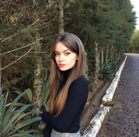 @EoTREMBB 💸🥋   Meninas chavosas, Garotas, Foto fake mulher
