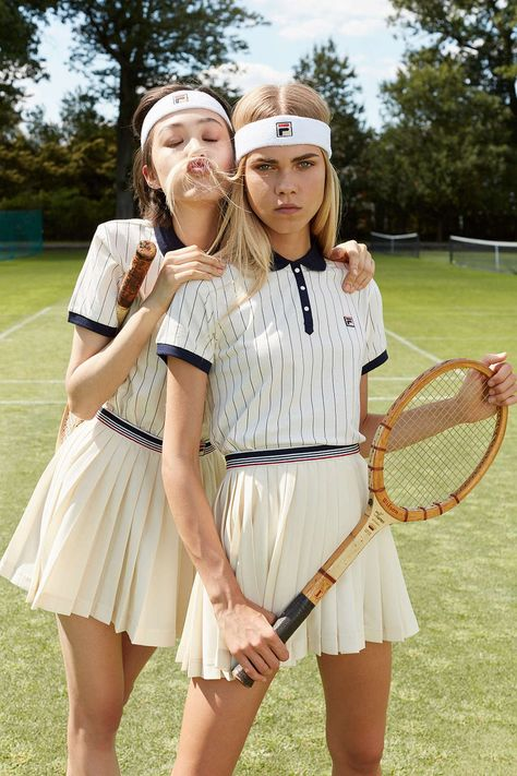 You'll Love Urban Outfitters' Preppy New Athleisure Collab via Brit + Co. Game, Set, Match🎾 Champagne open to kick off Monochromatic minimal tennis outfit Fila headband polo shirt K Fashion, Tennis Fashion, Moda Fashion, Sport Fashion, Tennis Skirts, Tennis Clothes, Sporty Chic, Tennis Wear, Sport Tennis