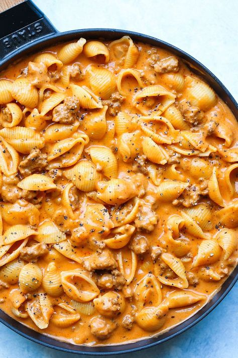 Creamy Beef and Shells (sub shells put for broccoli)  - A quick/easy ground beef recipe, this is a pasta dish that will be on your dinner table all week long! So creamy and so comforting!