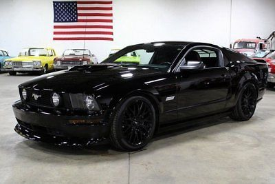 Ebay Mustang Gt Deluxe 2005 Ford Mustang Gt Deluxe 27263 Miles Black 2dr Car 8 Cylinder Engine 4 6l 280 Fordmu Ford Mustang Black Mustang Car Ford Mustang Gt