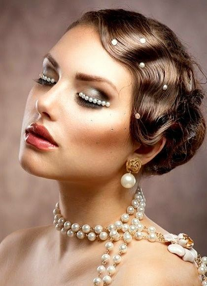1920s Makeup Look In 2020 Gatsby Hair Great Gatsby Hairstyles Great Gatsby Makeup