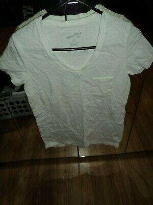 Juniors Size Xs Universal Threads White V Neck Short Sleve Shirt
