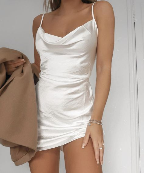 31 New Year's Eve dress options – Best party dresses . Read more The post 31 New Year's Eve dress options – Best party dresses for 2019 appeared first on How To Be Trendy. New Years Eve Dresses, New Years Outfit, Cute Casual Outfits, Girl Outfits, Fashion Outfits, Cute Party Outfits, Vegas Outfits, Birthday Outfits, Club Outfits