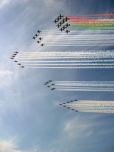 A big formation - Air show, five aerobatic team: Frecce Tricolori, Patrulla Aguila, Red Arrows, Patrouille de Suisse and Swedish Team (team Military Jets, Military Aircraft, Photo Avion, Red Arrow, Jet Plane, Air Show, Zeppelin, Air Force, Boats