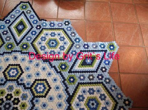 The Vignette Hexagon Quilt: Hexagon pattern
