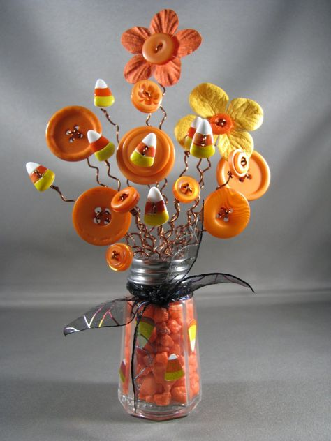 Button Bouquet Button Flowers Salt Shaker Bouquet Salt Shaker Vase Button Vase Halloween October Candy Corn Black Orange These are my Halloween series. Autumn Crafts, Thanksgiving Crafts, Holiday Crafts, Party Crafts, Button Bouquet, Button Flowers, Halloween Projects, Craft Projects, Halloween Series