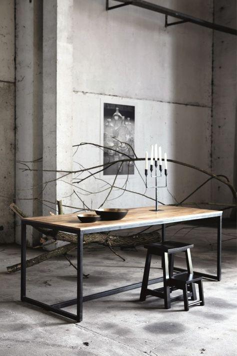 Eettafel wood/iron   Eettafels - Dining tables   La Vie Bohème. Zwart ijzeren onderstel missch mooi. Moeten zorgen dat de achterkamer niet te licht wordt met muren en meubels.