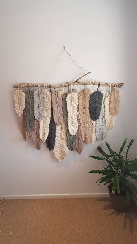 Feather wall macrame hanging