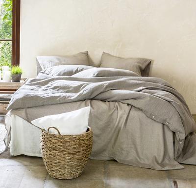 Queen Linen Bed Makeover In 2020 Bed Makeover Bed Linen Sets Linen Bed Sheets
