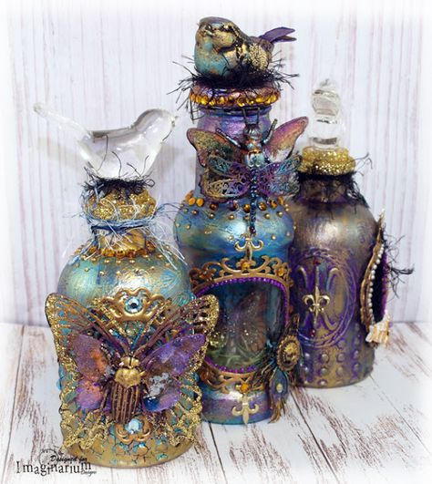 Imaginarium Designs: Altered bottle and Captured Canvas by Sue Smyth . Glass Bottle Crafts, Wine Bottle Art, Painted Wine Bottles, Diy Bottle, Bottle Lamps, Glass Bottles, Bottles And Jars, Bottle Charms, Bottle Box