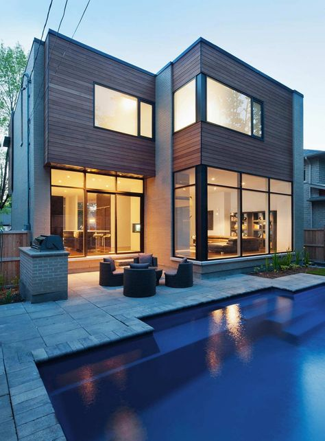 Canadian architects Christopher Simmonds designed the Fraser residence in Ottawa, Ontario
