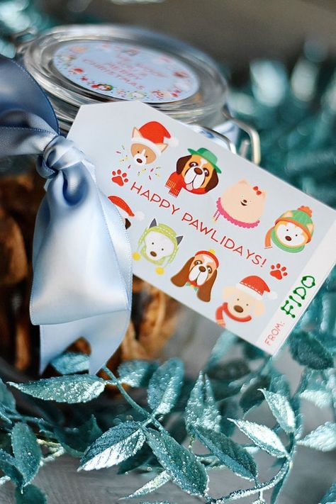Dog Holiday Gift Tags - INSTANT DOWNLOAD PDF,  Dog Tags Printable, Puppy Christmas Gift Giving, Holi