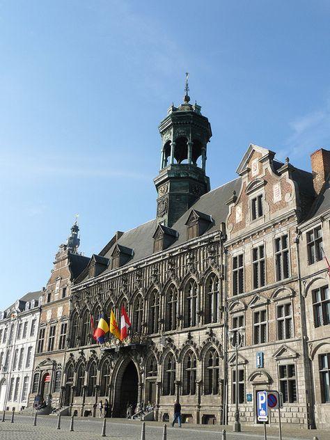 Mons (Hainaut, Wallonie, Belgique): maison dite de la Toison d'Or et hôtel de ville by Marie-Hélène Cingal, via Flickr