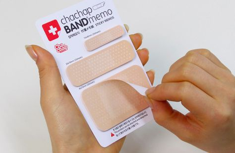 35 Ideias De Band Aid Design De Embalagens Edgar Allen Poe Design Medico