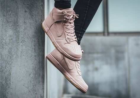 881232-600 Nike Womens Dunk Hi Top Premium Trainers Pink