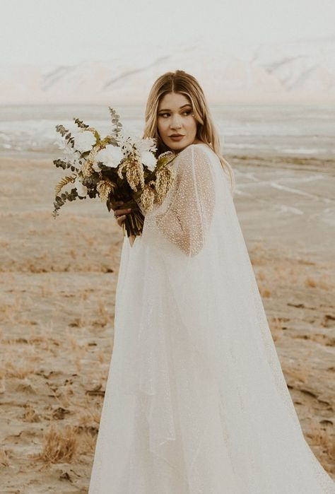 black-rock-desert-elopement-bridals-moonlightlace-moon-light-brideandgroomphotos-lanterns-joshua-tree-orange-arch-ceremony-summer-celestial