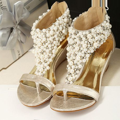 Exquisite Bead Embellished Back Zipper PU Gold Wedge Sandals. ,Heel Type: Wedges ,Heel Height: Mid Heel ,Upper Material: PU ,Sandal Type: T Strap ,Heel Height (cm): 5cm ,Platform Height (cm): 1cm.really like this with quality and price . cant wait to visit their site and buy it