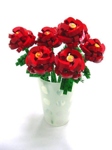 Lego Plant Lot Pink White /& Red Flowers w//Green Stems Girl/'s Flower Garden