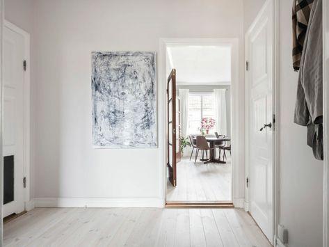 Post: El cabecero de capitoné siempre es tendencia -- cabeceros capitone, capitoné bed bedroom, capitone camas, decoración mini pisos, decoraciones clásicas, estilo escandinavo, scandi bedroom, scandinavian decor, scandinavian style, scandinavian tiny apartment, tecnica capitone