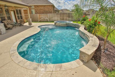 View some of the beautiful pools and entire backyard environments we've designed and created at Waterside Poolscapes in Houston, Texas! Pools For Small Yards, Small Backyard Pools, Backyard Pool Landscaping, Backyard Pool Designs, Outdoor Pool, Landscaping Design, Swimming Pools Backyard, Swimming Pool Designs, Inground Pool Designs