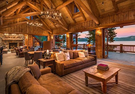 Charming hybrid log home with breathtaking views of Lake Tahoe Rocky Point South is an incredibly designed hybrid log home by local firm Olson-Olson Architects, situated on beautiful Lake Tahoe, California. Lake Tahoe, Block House, Log Home Interiors, Log Home Decorating, Decorating Games, Decorating Blogs, Decorating Kitchen, Log Cabin Homes, Cabins In The Woods