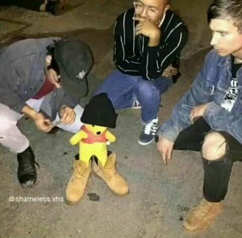 Read from the story Cursed Images by ShieruNagayto (Pamela Segovia) with reads. Stupid Funny Memes, Haha Funny, Fun Funny, Funny Images, Funny Pictures, Awkward Pictures, Mixtape, Human Poses Reference, Draw The Squad