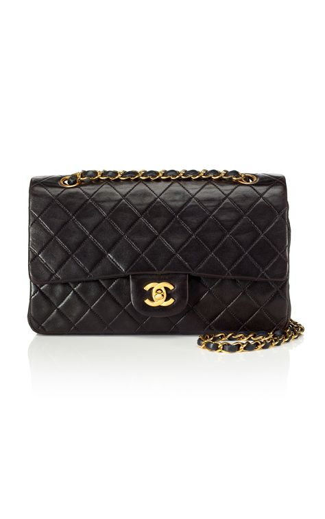 Classic Chanel Bag! #Chanel In ever color... Yes please!!