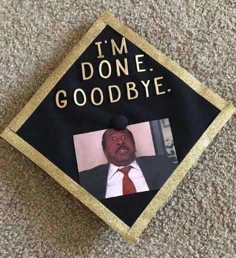 Grad cap ideas guaranteed to deliver instant inspiration. You don& need to be a super fan to appreciate these classic graduation quotes from The Office. Disney Graduation Cap, Funny Graduation Caps, Custom Graduation Caps, Graduation Cap Toppers, Graduation Cap Designs, Graduation Cap Decoration, Graduation Diy, High School Graduation, Graduation Quotes