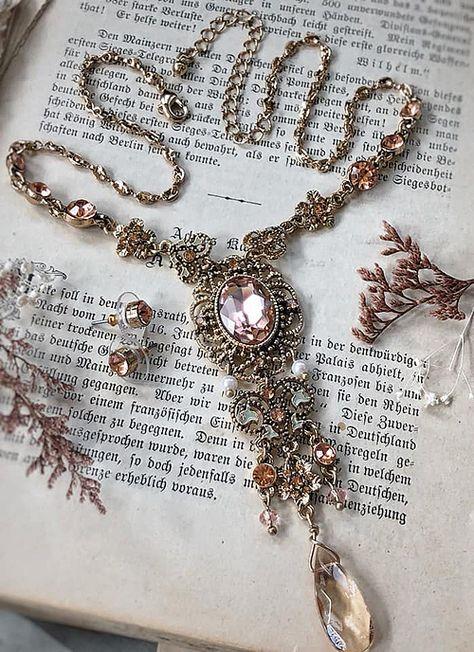 Viking Jewelry, Old Jewelry, Cute Jewelry, Antique Jewelry, Jewelery, Vintage Jewelry, Bullet Jewelry, Victorian Jewelry, Gothic Jewelry