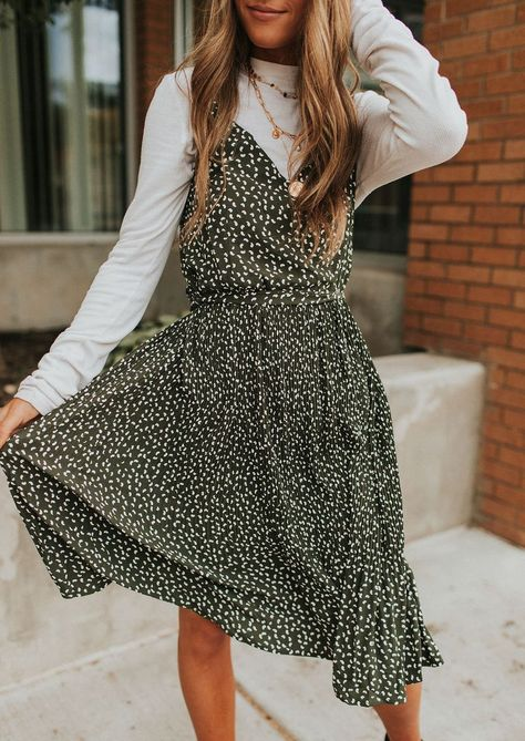 Shirt Under Dress, Sweater Over Dress, Tank Top Dress, Jumper Dress, Cute Casual Outfits, Modest Outfits, Boho Outfits, Fashion Outfits, Stylish Outfits