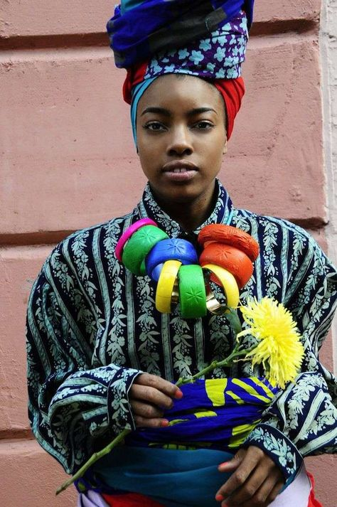 Urban Nigerian Fashion - The Kezia Frederick Graduate collection is as vibrant and patterned as tribal-inspired fashion come. Rife with colorful turbans, chunky jewelry and...